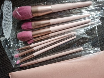 Venta: Set brochas de maquillaje y estuche NUEVO