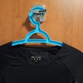 Selling with online payment: Workout top in excellent condition