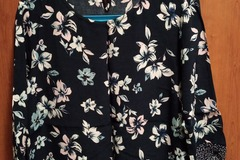 Selling with online payment: Floral Top