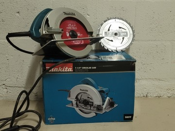 Renting out with online payment: Makita circular saw