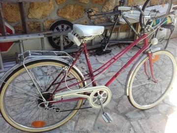 Vente: Vélo femme en EXCELLENT ETAT rouge