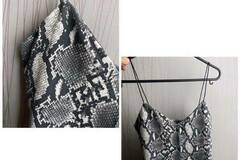 Selling without online payment: snake print top