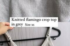 Selling without online payment: Knitted grey crop top