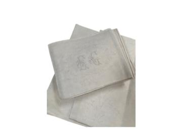 Vente: 1 nappe damassée monogrammée et 12 serviettes