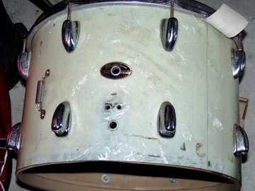 Selling with online payment: 16- 1960's Slingerland snare/tom lugs