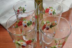 Myydään: 4 Glasses with flowers