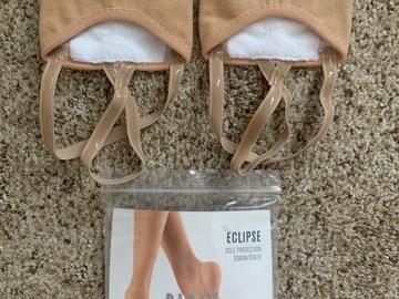 Selling A Singular Item: Women's Half-Sole Shoe