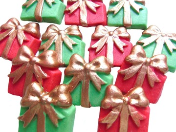 Delivery: 12 Edible Christmas Parcels Cupcake Cake Toppers