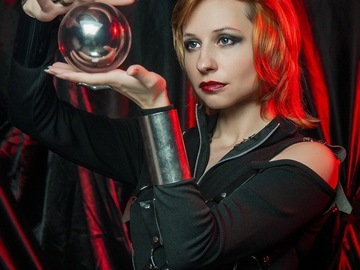 Selling: Crystal ball reading
