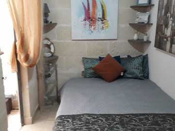 Rooms for rent: Private Room and yard  in st paul' s bay