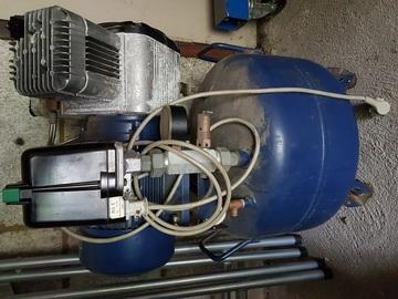 Gebruikte apparatuur: Dürr 2 cilinder compressor