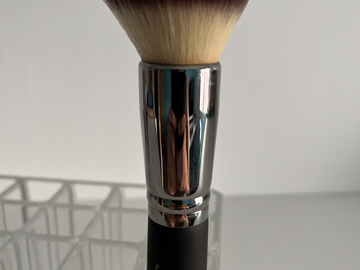 Venta: IT Cosmetics Heavenly Luxe Flat Top Buffing Foundation Brush #6