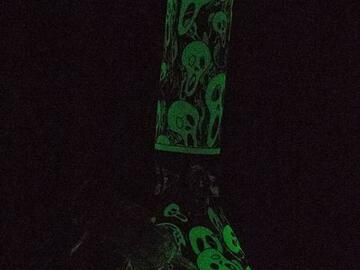 """Post Now: 8"""" Glow in the dark Scream Ghost glass water bong"""