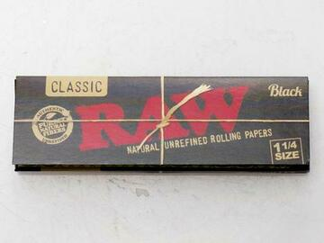 Post Now: RAW Black Natural Unrefined Rolling Paper
