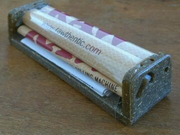 Post Now: RAW Hemp Plastic Rolling Machine 110mm (King Size)