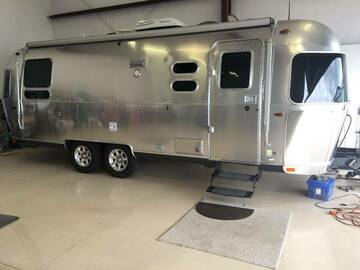 For Sale: 2016 Airstream Flying Cloud RBQ