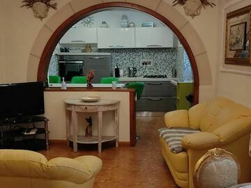 Rooms for rent: Private room to rent in Birgu 300 euros