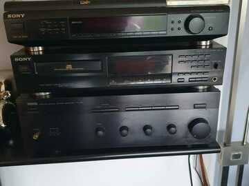 Biete Hilfe: Stereoanlage mit Lautsprecher
