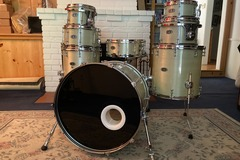"""Selling with online payment: """"Pure"""" Fiberglass Drumset"""