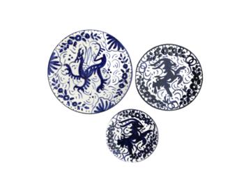 Vente: Série de 3 assiettes de présentation en céramique