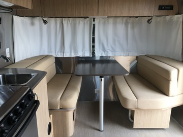 For Sale: 2017 Airstream Flying Cloud 19CB