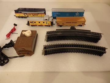 Selling with online payment: Bachmann Ho Electric Train Set F3 Chessie System