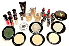 清算批发地: Eudora Cosmetics – Great Assortment Of High End Makeup