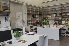 Renting out: Renting desk and meeting space