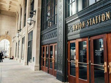 Monthly Rentals (Owner approval required): Chicago IL, Heart of Downtown. Secure, Walk to Union Station.