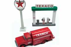 Selling with online payment: CLASSIC METAL WORKS #40002 1960 FORD TANKER TRUCK w/sign pumps
