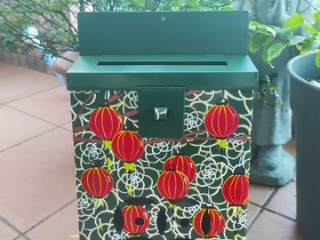 : Mailbox : Red Lanterns and flowers design on a green background