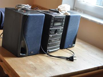 Biete Hilfe: JVC-Stereoanlage abzugeben