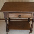 Vente: Beau petit meuble en bois massif pour TV ou autre