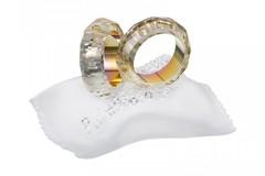 Ilmoitus: Kristallikoriste -  kaksi sormusta