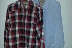 Myydään: Two men's button-down shirts