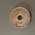 Troc: Pièce de monnaie de 19 centimes trouée - 1930