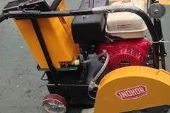 En alquiler: Aserradora de hormigón con Motor Honda de 13HP