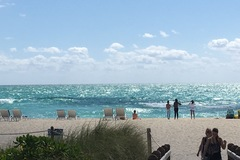 Daily Rentals: Miami Beach, Driveway for rent near famous Miami South Beach