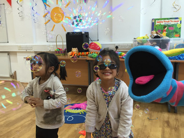 Offering a Service : Puppet, instruments, songs, games, bubbles, balloon (0Y-5Y)