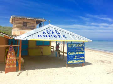 Excursion or Lesson: Kite lessons and a bungalow on the beach all inclusive