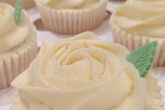 Selling a product:  Cupcakes