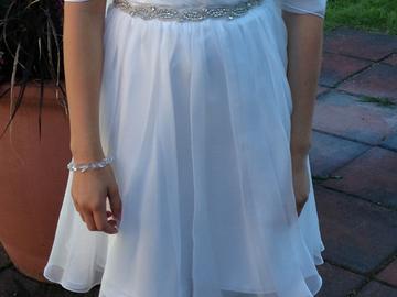 Ilmoitus: Dazzling -merkkinen morsiustytön mekko
