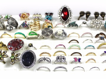 Buy Now: (1,047 Piece) Stylish Rings For Women - Fashion Jewelry Lot