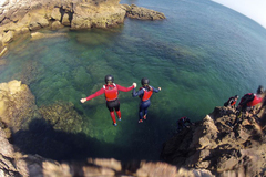 To experience: COASTEERING: a new exciting activity