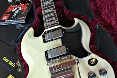 Guitar selling: Gibson SG Standard VOS Maestro