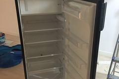Myydään: microwave / mikroaaltouuni