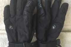 Daily Rate: Goretex snow gloves