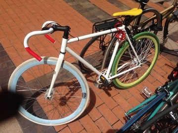 "Daily Rate: White ""hipster"" Singlespeed"