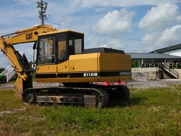 Alquilando: Preview Caterpillar E110B GA Savannah Renting