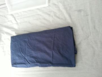 Myydään: Selling fitted blue bedsheet (Muotoonommeltu lakana sininen)